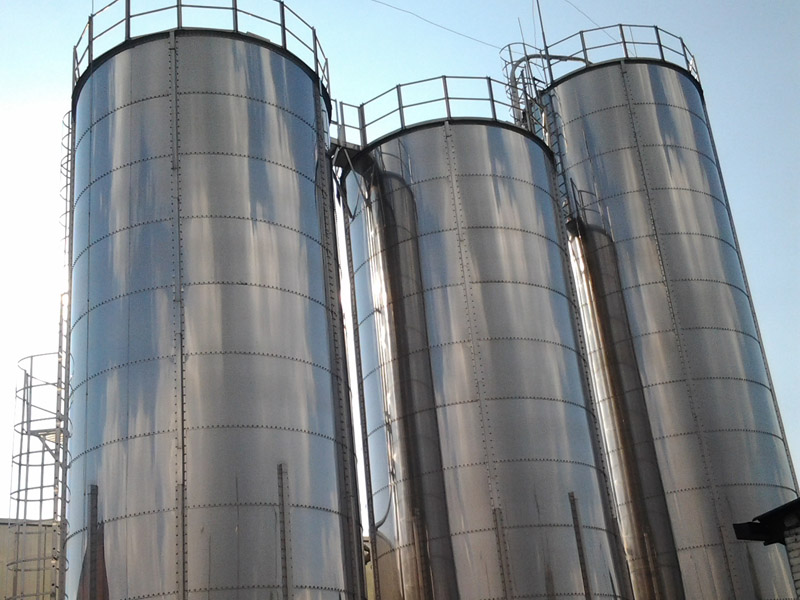 Bolted stainless steel silo 110 tons