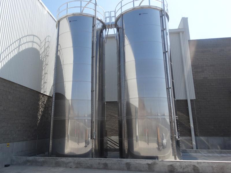 Bolted stainless steel silo 75 tons
